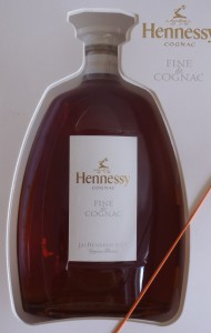 2010, white label with the word 'cognac' just below Hennessy; no little orange beam below