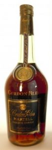 Liqueur cognac; wit text underneath