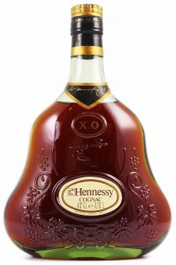 'cognac' beneath 'Hennessy'; 40 G.L. and 0,70L stated