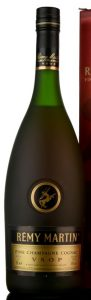1Le stated in the lower left; different capsule (no centaur); label is more golden.
