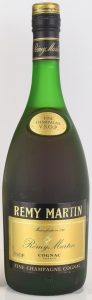text only on lower left (VSOP); bicoloured cap (70cl stated on auction; 1970s)