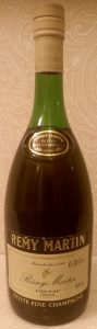 VS above 'petite fine champagne'; 0,70Le stated; (1970s)