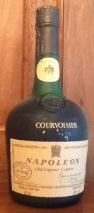 680ml, Courvoisier in gold letters on the glass, the emblem of the eagle interrupts the red framework of the main label; imperial coat of arms on neck label