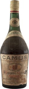 No text left or right of the Camus embleme. Neck label in French. Below on the left: 'Camus & Co. Cognac'
