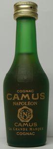 'Camus' is written larger than 'Napoléon'