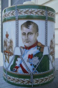 Napoléon Vieille Réserve, with canons on the backside. (De Haviland Limoges)
