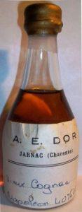 Vieux cognac napoléon; gold wax cap