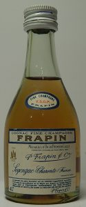 5cl VSOP fine champagne medailles d'or de premiere classe; below is written 'Segonzac Charente, France'; 40% is further below, screw cap