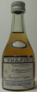 5cl VSOP fine champagne medailles d'or de premiere classe; bottom left says 40%; screw cap