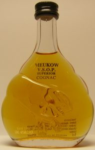 5cl VSOP, content stated on front; weird head
