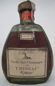 Neck label in red with the stag on it; 'Vieille fine champagne de T. Hine & Co'