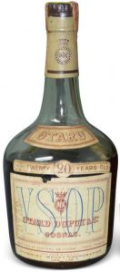 VSOP, 20 years old, with an emblem on the capsule