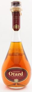 70cl stated; red and gold stopper; with VSOP on the shoulder; different number of lines on neck