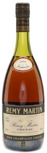 3 stars and Fine Champagne on neck label; on bottom left is stated: '68cl e'.