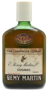 VSOP; said on auction to be 35cl (1960s). These bottles have a screw-cap underneath the cap (click for an example)