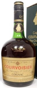 73ctl stated; note the different text: 'Fine champagne VSOP' on the label and the text left and right of the emblem. Cedal import (Italia)