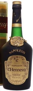 Napoleon on the shoulder (without accent), Bras d'Or in small letters. With '40%vol e 0,70 L'