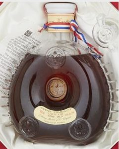 'Very Old' 700ml stated, Baccarat crystal; red octagonal box; 1969-1978