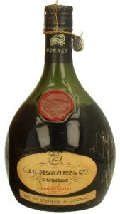 'Cont. medio cl 75' stated; 'Mise en bouteille a Cognac' stated on lower label