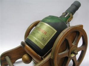 VSOP fine champagne, produce of France stated and to the right: 700ml