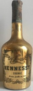 Gold bottle, 73cl (stated on the back); Italian import, Wax & Vitale (1960s)