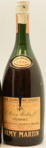 1950s; on the neck label: 'Rémy Martin' above VSOP and 'Brand cognac brandy' below it; New York import by Renfield; 4/5 quart