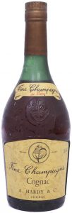 Fine champagne De Luxe with a shoulder label and 38/40% stated; underneath: Cognac