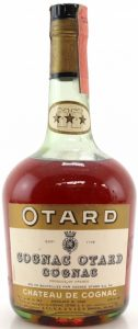 With a castle on the neck label; the neck label has an oval shape; Otard and Chateau de Cognac on brown bands; Italian import for S.I.L.V.A. di V&G.S. Bianchi, Milan