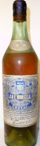 2 star bottle; before the Martell band above the main label (before 1928)