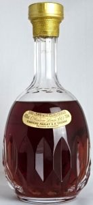 Extra Vieille Réserve Louis XVI in a Sèvres cristal decanter, 40%vol and 750ml stated; Asian import
