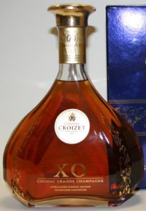 70cl XO, round label, modern stopper