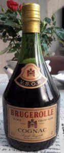 VSOP Fine champagne; 70cl and 40° stated; Brugerolle in red; neck label black, red and gold