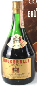 70cl and 40° stated; Brugerolle in red; neck label red and gold; with a duty seal on top