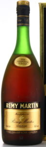 VSOP and 40%Vol stated; 1L stated on the box and Französisches Erzeugnis stated on the back