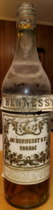 US import 1934, Schieffelin; notice the closure (used for US market). The little label has 'Alcoholic beverage tax' on it (I think, difficult to read).