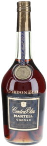 "bottom line: ""Elevé et mis en bouteille en Cognac France""; with 70cl e stated and 40%vol; on the back a cotisation sign"