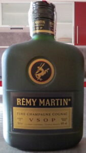 Like previous bottle, but with a Spanish duty seal (2000s)