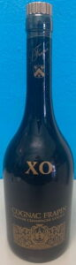 Different back side: no ABV stated and with a cotisation sticker (1980s)