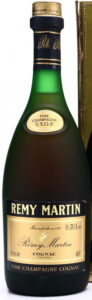 Content written as 0,70Le and ABV as 40°.; thickening around the top of the neck; Spanish import