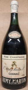 Fine Champagne, VSOP magnum, different capsule, content not stated; height: 34 cm